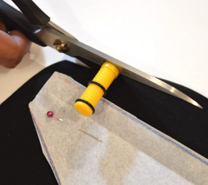 Guia para margen de costuras con tijeras